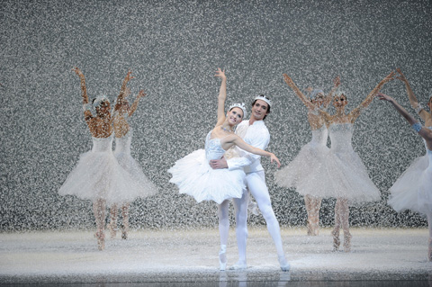 Sarah Van Patten and Pierre-François Vilanoba in Tomasson's Nutcracker.