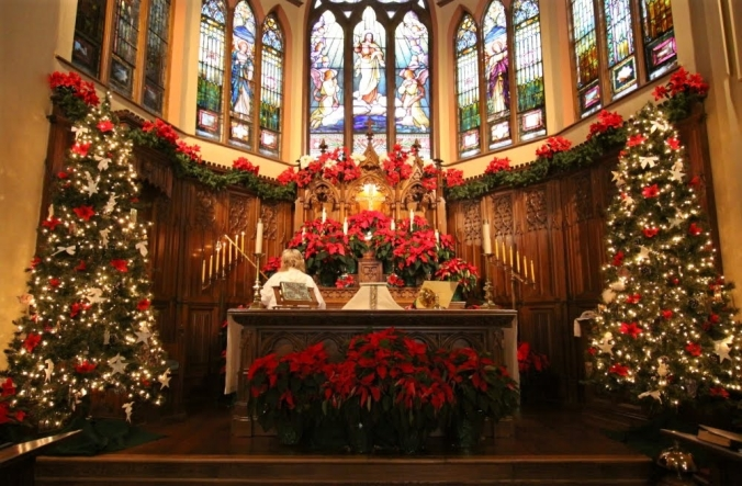 54327-Church-Altar-At-Christmas