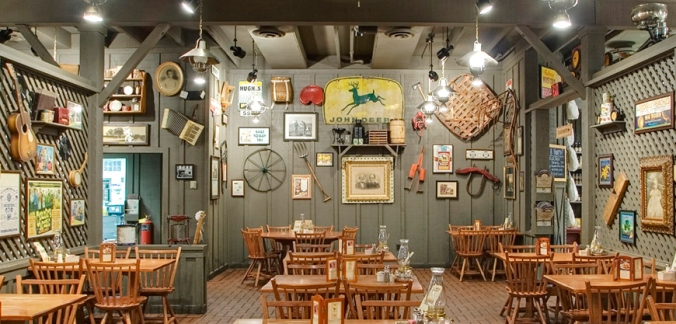 rest_crackerbarrel_interior3.jpg